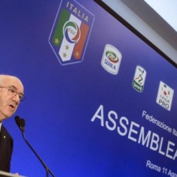 FIGC president Tavecchio faces criticism over discriminatory remarks