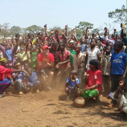 2,500 refugee children in Cameroon take part in football course led by Fare member