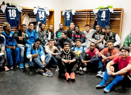 Welcoming refugees by using football as a uniting language and social space